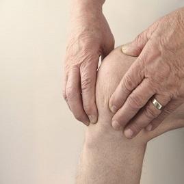 توانبخشی درد جلوی زانو(زیر کشکک) در بالا و پایین رفتن از پله ها
